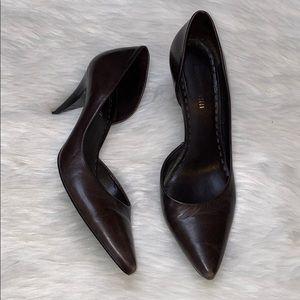 Gianni Bini Pointed Toe Kitten Heel